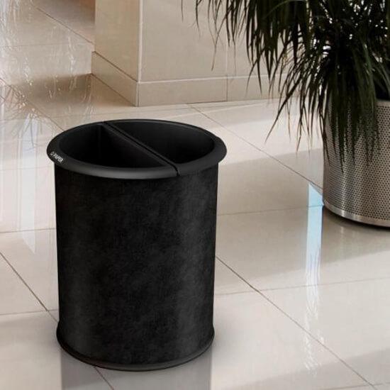 Moda Black Leatherette
